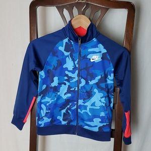 Nike Blue Camouflage Big Boy Jacket in a size 7/L